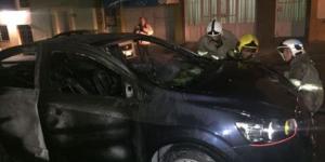 Manifestantes queman automóvil en Chiapas