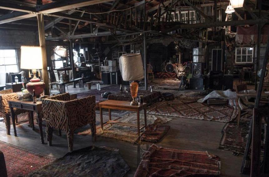 El interior de la casa antes del incendio. Foto de