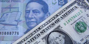 Dólar baja y se vende hasta en 20.31 pesos