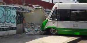Choque de microbús deja 12 heridos en Azcapotzalco