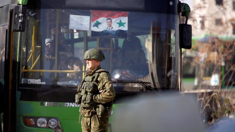 El plan de evacuación tenía como objetivo transportar a miles de personas a Idlib. Foto de Omar Sanadiki/Reuters
