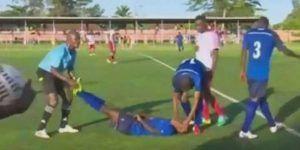 Video: futbolista de 19 años muere en pleno partido