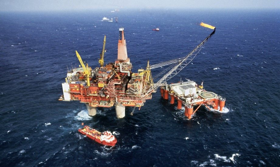 Pemex garantiza abasto de combustibles tras Harvey