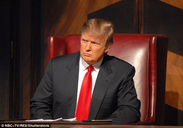 Trump al frente del programa. Foto de
