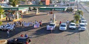 Bloqueadas ocho terminales de Pemex