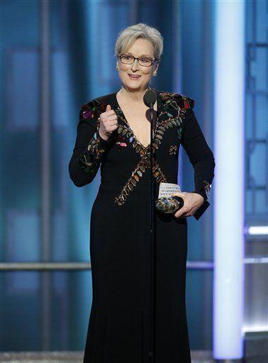 Meryl Streep recibe el Premio Cecil B. DeMille a la trayectoria durante la ceremonia de los Globos de Oro. Foto de AP
