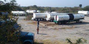 Decomisan 58 vehículos, 80 mil litros de gasolina y armas en Veracruz