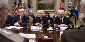 Trump se ofrece a terminar con carrera de senador de Texas