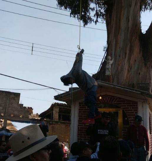 Habitantes intentan linchar a presunto ladrón en Tulancingo