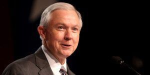 Jeff Sessions busca que 46 fiscales renuncien