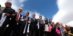 Realizan muro humano en la frontera Ciudad Juárez-El Paso