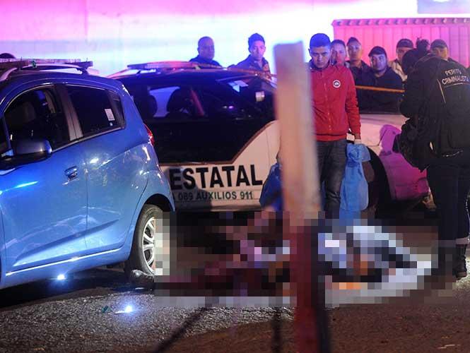 Mueren automovilista y asaltante durante forcejeo en Ecatepec