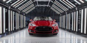 Acusan a Tesla de ser una empresa sexista