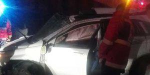 Cae camioneta desde puente de Reforma a Periférico