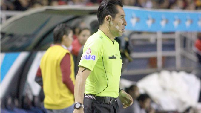 Árbitros de Liga MX sufren accidente; uno se encuentra en coma