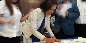 Josefina Vázquez Mota se registra como precandidata a gobernadora