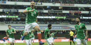 Bayer Leverkusen y Bundesliga felicitan a Chicharito por récord