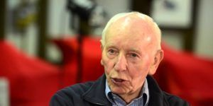 Ha muerto John Surtees, el único piloto campeón en motociclismo y en Fórmula 1