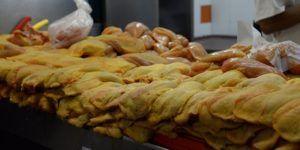 Lavar el pollo crudo puede ser un riesgo para la salud