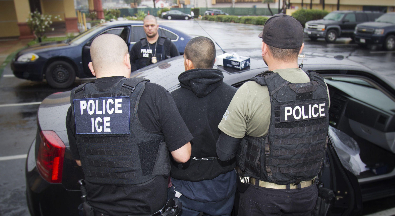 Durante la era Trump se duplicaron los arrestos de inmigrantes sin antecedentes