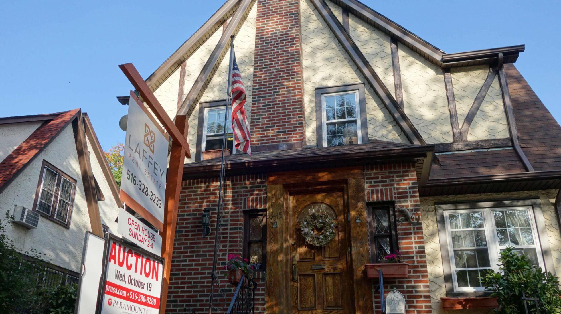 Alquilan casa donde creció Donald Trump