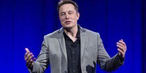 Elon Musk crea empresa para desarrollar implantes cerebrales