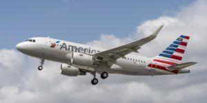Muere copiloto de American Airlines tras problema médico en vuelo