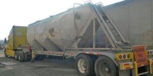 Policía Federal recupera tráiler robado con óxido de plomo