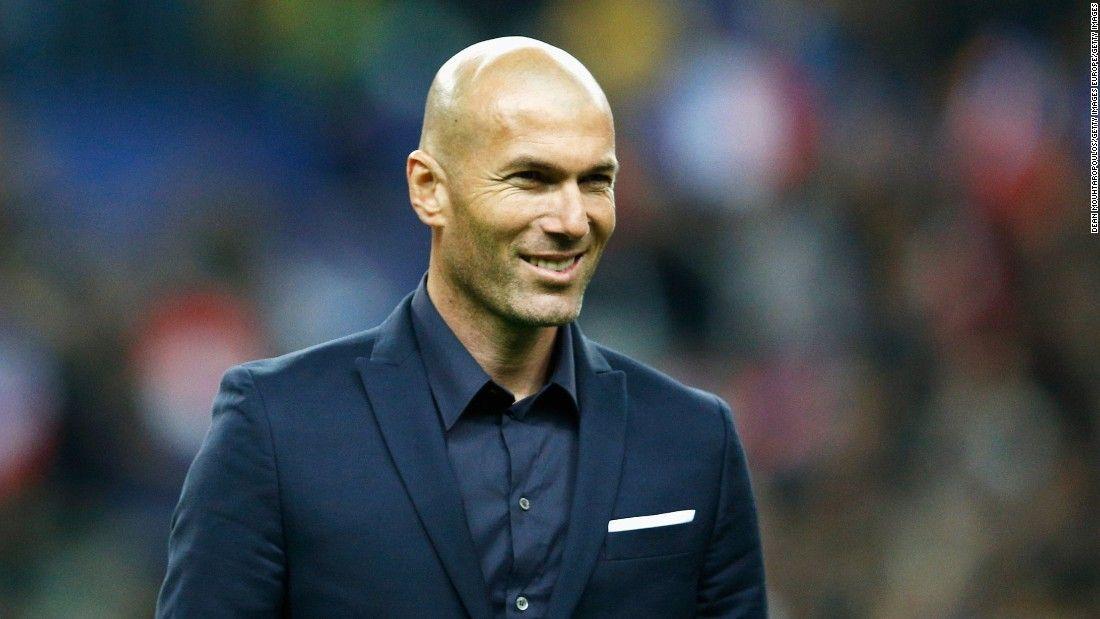 Zinedine Zidane renovó contrato con los 'merengues' por tres años — Real Madrid