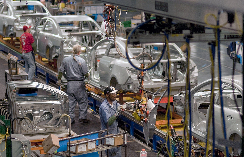 Producción y exportación de automóviles de México crecen en julio