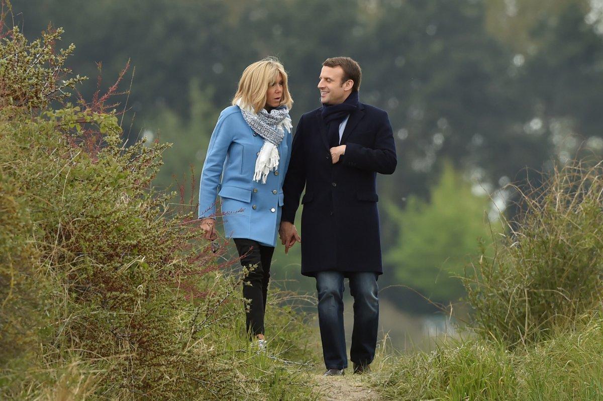 Hollande pidió el voto para Macron en el balotaje en Francia