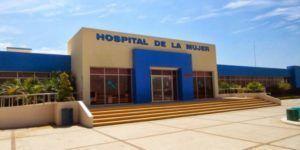 Asesinan a mujer frente a hospital en Sinaloa