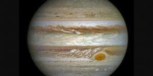 Encuentran nueva mancha en Júpiter
