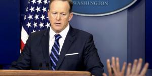Sean Spicer se disculpa por referencias a Hitler durante discurso