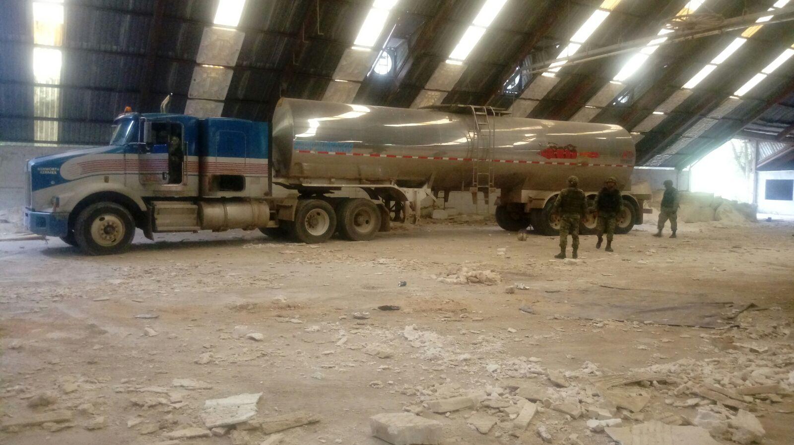 Aseguran militares 53 mil litros de gasolina robada en Tamaulipas