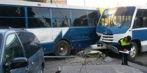 Choque de camiones deja 15 lesionados en Durango