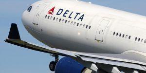 Delta ofrece compensación a familia expulsada de vuelo