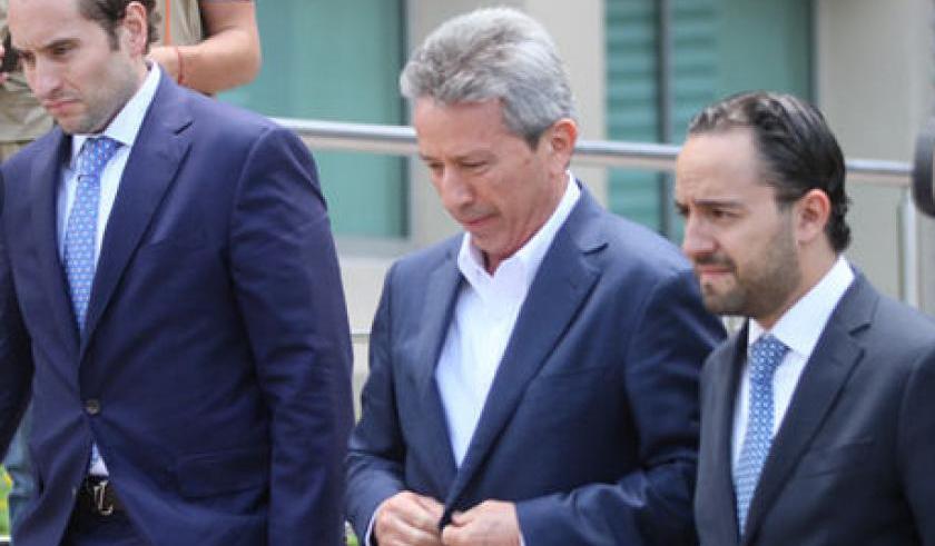 Vinculan a proceso a 2 exfuncionarios de Rodrigo Medina