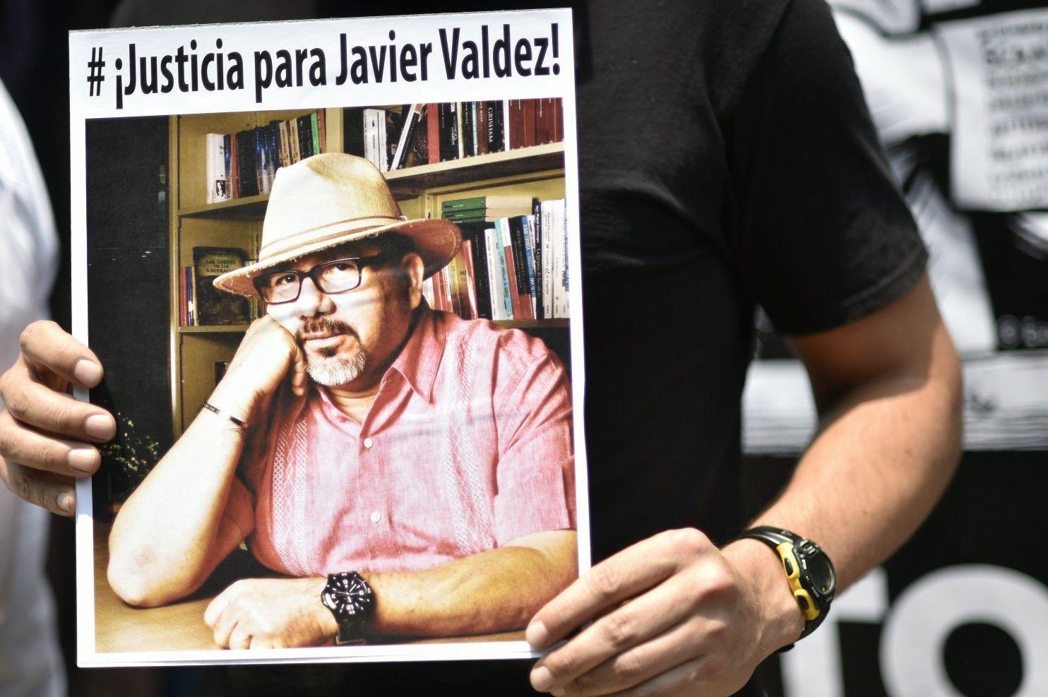 Periodista Javier Valdéz fue asesinado por dos atacantes: Procuraduría de México