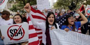 Casa Blanca apoya ley contra ciudades santuario en Texas