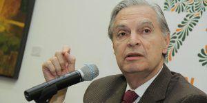 Luis Ernesto Derbez se destapa como precandidato del PAN a la presidencia
