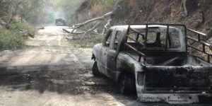 Bloquean carreteras y queman vehículos en Tierra Caliente