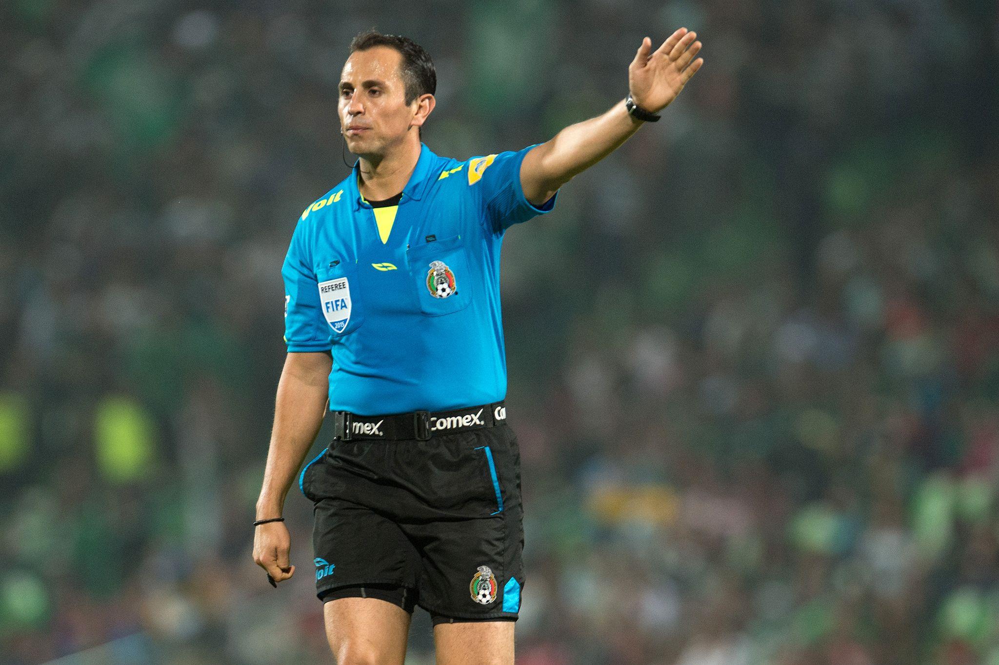 Luis Enrique Santander, elegido como el mejor árbitro del torneo