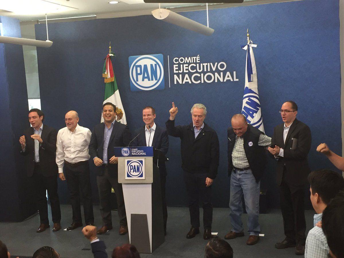 PAN y Morena conforman frente en Coahuila