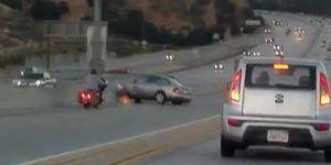 #Video Discusión provoca accidente en autopista de Los Ángeles