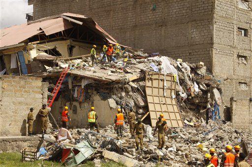 Reportan 15 desaparecidos tras colapsar edificio en Kenia