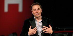 Elon Musk batea a Donald Trump