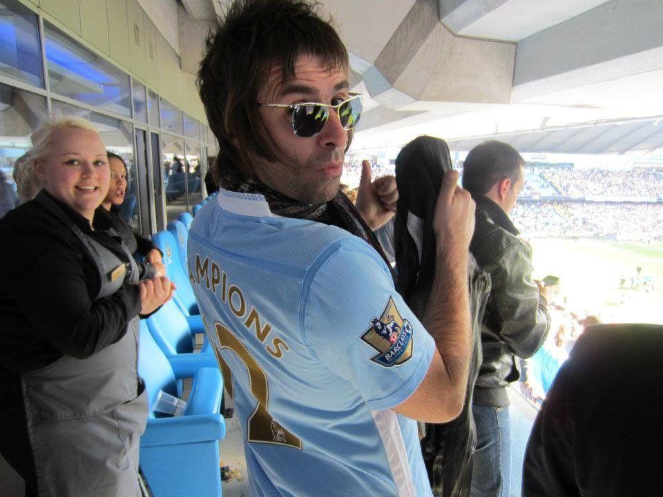 Arsenal y Manchester City, pensando en cambiar a Alexis por Agüero
