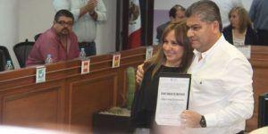 Riquelme recibe constancia como gobernador electo de Coahuila