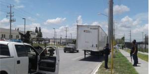 Recuperan tráiler robado con 500 televisores en Tamaulipas